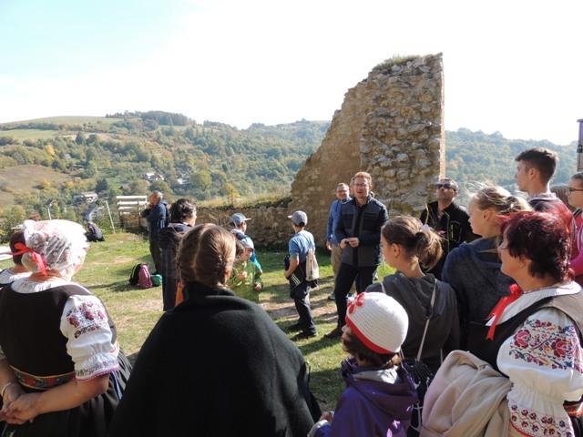Výstupy na hrady Košeca, Vršatec a Lednica