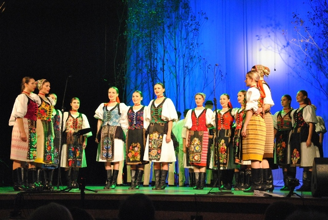 Slávnostný program k 65. výročiu založenia FS Vršatec